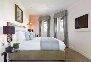 Cama ou camas em um quarto em The Royal Horseguards
