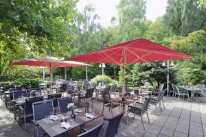 A restaurant or other place to eat at Mövenpick Hotel Münster