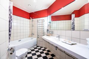 A bathroom at VICTORIA hotel Kaunas