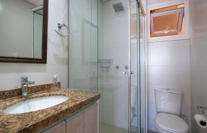 A bathroom at APARTAMENTO A 20m DA CATEDRAL