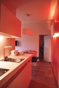 Una cocina o zona de cocina en Florent