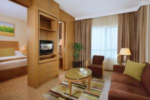 A seating area at Nour Arjaan by Rotana - Fujairah