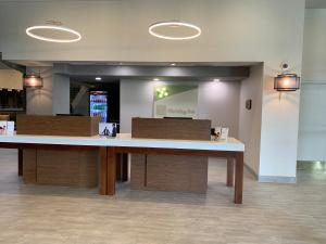 The lobby or reception area at Holiday Inn Baton Rouge-South, an IHG hotel