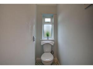 A bathroom at Stylish Home in Cheadle Hulme near The Airport!