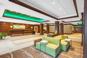 The lobby or reception area at Holiday Inn Charlottesville-Monticello