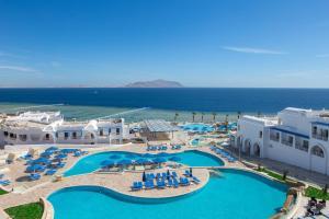 Вид на бассейн в Albatros Palace Sharm - Families and couples only или окрестностях