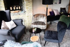 A seating area at Hotel Ten Lande