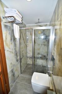A bathroom at Kybele Hotel