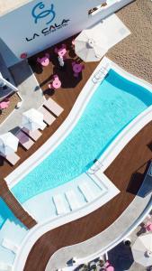 Piscina en o cerca de La Cala Suites Hotel - Adults Only