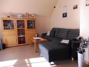 Ein Sitzbereich in der Unterkunft Ferienwohnung Luise Blum