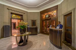 The lobby or reception area at Hotel Capital
