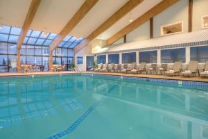 The swimming pool at or close to Holiday Inn Cape Cod - Hyannis