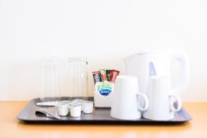 Coffee and tea-making facilities at Holiday Inn London - Gatwick Airport