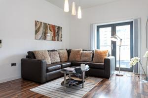 A seating area at Dreamhouse Apartments Manchester City West