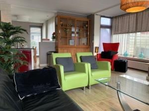 A seating area at Texelheerlijk4