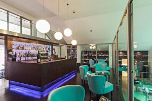 The lounge or bar area at Rome Life Hotel