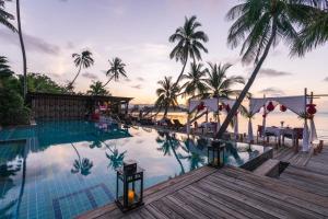 Бассейн в Tango Luxe Beach Villa Samui или поблизости