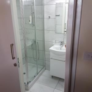Ένα μπάνιο στο Olympia Traditional Houses