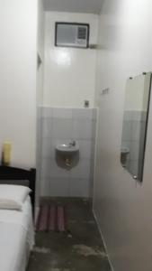 A bathroom at Pousada Fenix