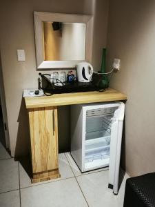 A kitchen or kitchenette at Zanchieta Guest & Wild Cat Rescue Farm
