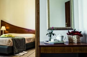 A bathroom at Hotel Sirenetta