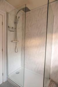 A bathroom at Shakespeare Inn