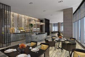A restaurant or other place to eat at InterContinental Guangzhou Exhibition Center, an IHG Hotel