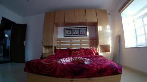 سرير أو أسرّة في غرفة في Deluxe Apartment Delta Sharm