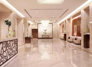 The lobby or reception area at Makkah Clock Royal Tower, A Fairmont Hotel