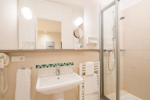 Ein Badezimmer in der Unterkunft Baurs Park