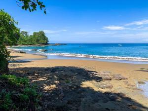 Playa de o cerca de este lodge