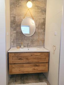 A bathroom at Sunshine Suite Boutique - Only 5 Min Walk To The Beach