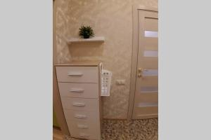 A bathroom at Sky 22&Квартира на 22 этаже у воды