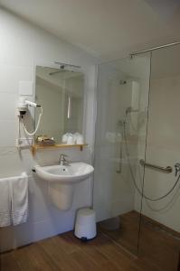 A bathroom at Hotel Moli de l'Hereu