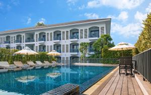 The swimming pool at or near Damrei Angkor Hotel