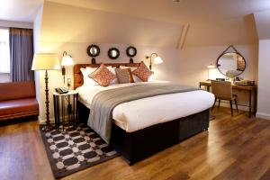 A bed or beds in a room at Hotel Indigo York