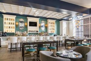 A restaurant or other place to eat at Hotel Indigo Baltimore Downtown, an IHG Hotel