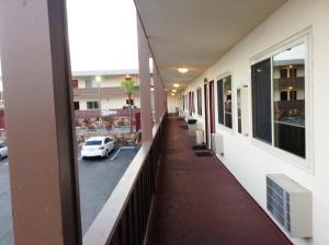 A balcony or terrace at Seahorse Inn