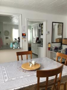 A kitchen or kitchenette at Fair Haven Retreat