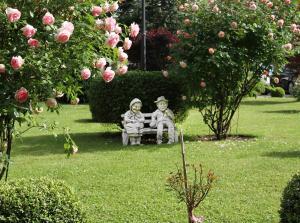 Ein Garten an der Unterkunft Hotel Ganslhof