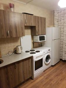 A kitchen or kitchenette at Апартаменты Зеленоград