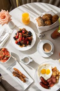 Breakfast options available to guests at The Rittenhouse Hotel