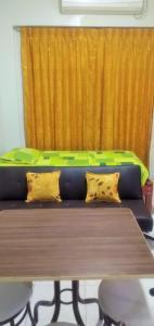 A seating area at Mini Departamento Iquitos 1245-01