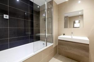 A bathroom at Asperion Hillside Hotel