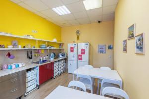 Кухня или мини-кухня в Da! Arbat, 11