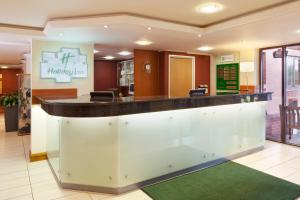 The lobby or reception area at Holiday Inn Northampton