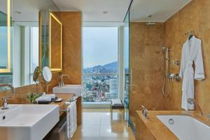 A bathroom at The Westin Lima Hotel & Convention Center