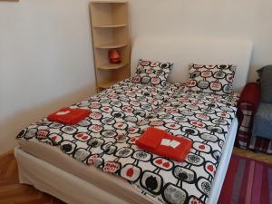 Un ou plusieurs lits dans un hébergement de l'établissement Apartment Andreevsky