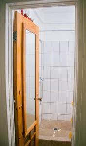 A bathroom at Mango Garden Cottages