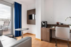A kitchen or kitchenette at Eurostars Blue Coruña